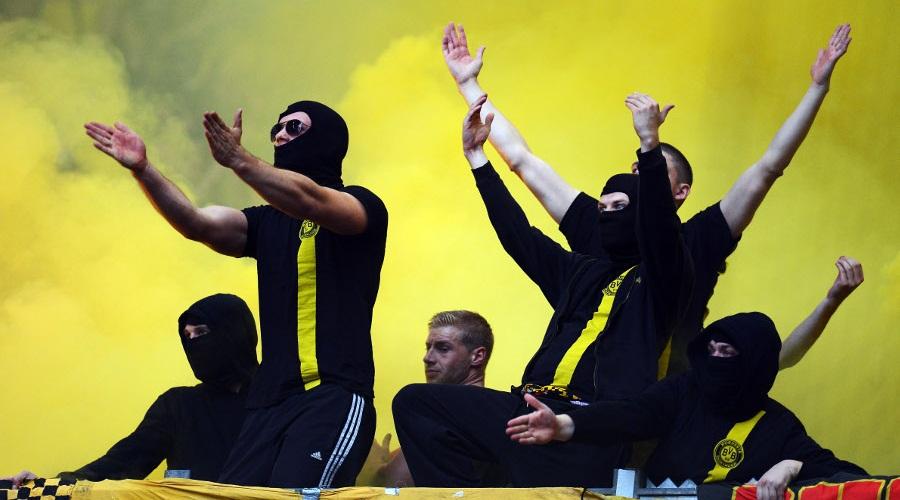 during the Bundesliga match between FC Schalke 04 and Borussia Dortmund at Veltins-Arena on October 26, 2013 in Gelsenkirchen, Germany.